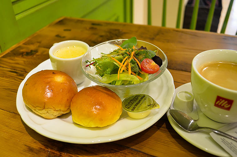カフェレストラン デイジイ(パン)