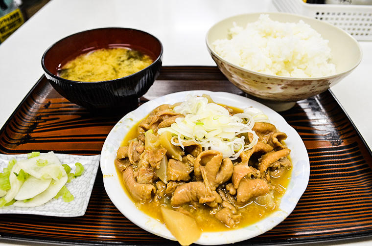川口オートレース(もつ煮定食)