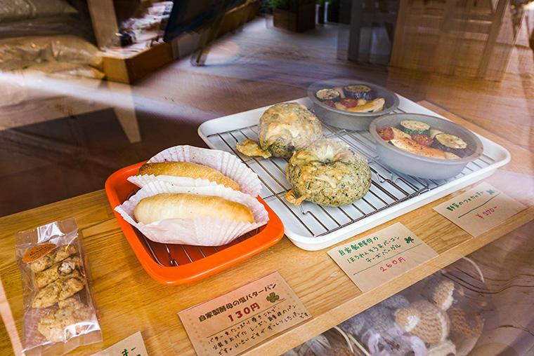 よつ葉スイーツショップ(自家製酵母パン)