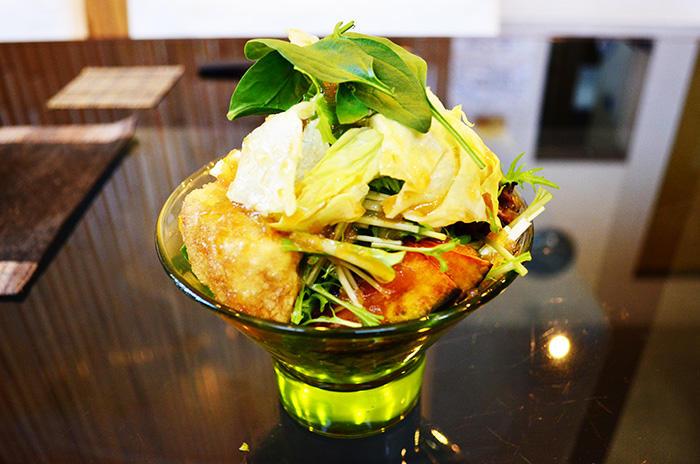 与志田-ランチ-.サラダ
