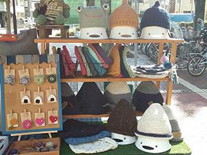 手編みのニット帽やニット雑貨の販売